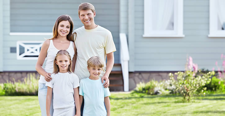 Family Buying a modular home